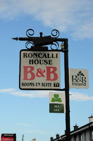 Roncalli House: Enseigne du BB