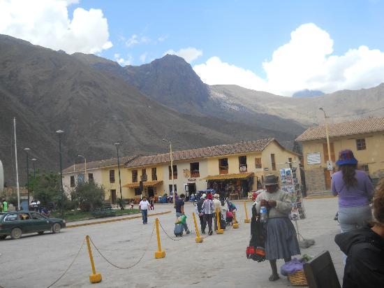Tikawasi Valley Hotel: plaza de armas
