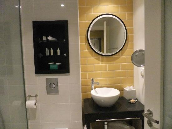 Hotel Indigo Newcastle: Bathroom