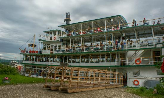 Riverboat Discovery : Riverboat Discover at Chena Village