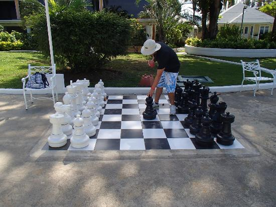 Sunscape Splash Montego Bay : Giant Chess