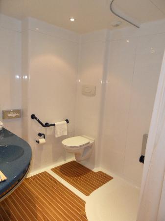 Mercure Rennes Cesson : salle de bain - douche