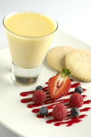 Seasons Restaurant: Refreshing Lemon Posett