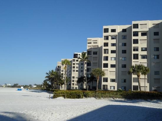 Fort Myers Beach: Gold coast condos, gulf views