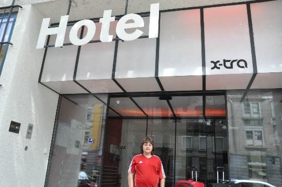 X-TRA Hotel: fachada