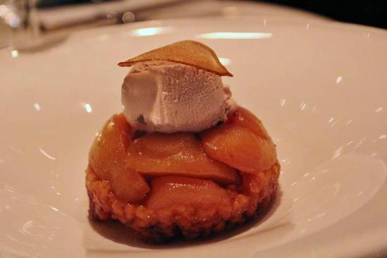 Lockwood Restaurant and Bar: Pear Tatin Dessert