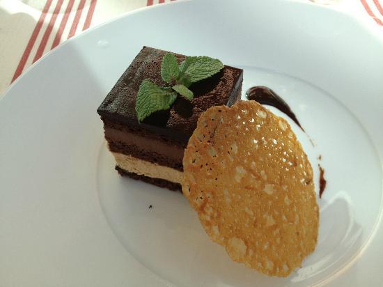 Restaurant Clair de Plume Gastronomique : Pavé chocolat, café, tuile à l'orange