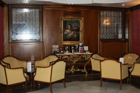 Kette Hotel: Salon