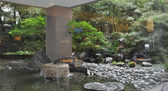 โรงแรมริก้า รอยัล: il bar della lobby: un incantevole giardino giapponese