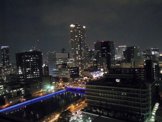 โรงแรมริก้า รอยัล: vista notturna della skyline dalla stanza
