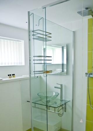 The Copper House - Portreath: Room 2 en suite wc/shower room