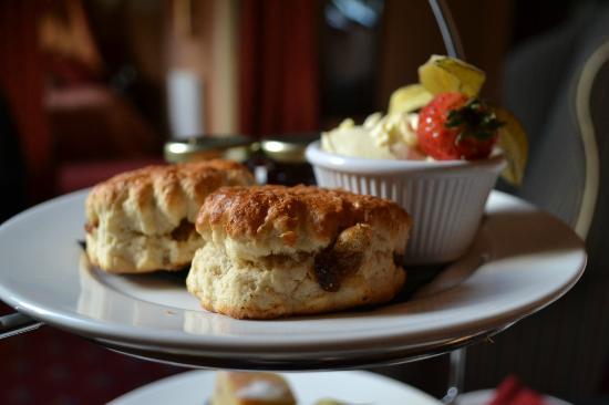 Langley Castle Hotel: Scones in Afternoon Tea 