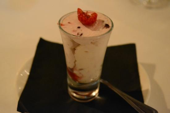 Langley Castle Hotel: Strawberry Pre-Dessert