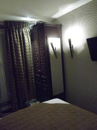 Hotel du Prince Eugene: petite armoire