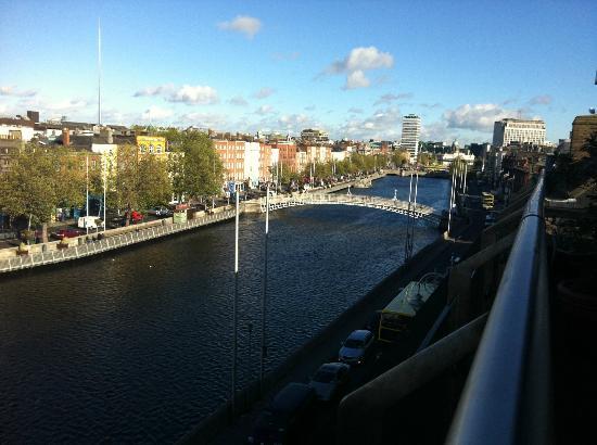 إليزا لودج: Dublin in the day from our balcony 