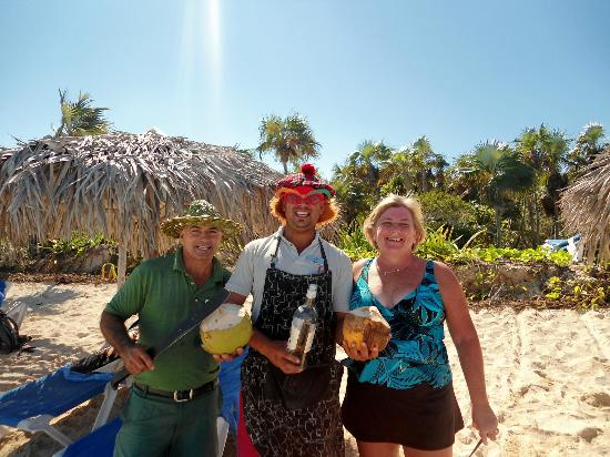 Melia Cayo Coco: Pepe Get your Coconuts :))