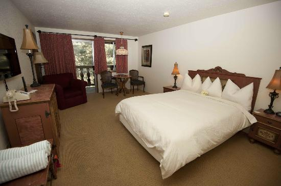 Alpine Rivers Inn: Comfy rooms. Clean and tidy.