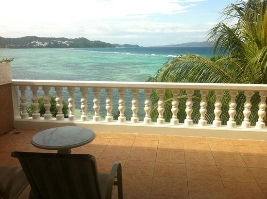 Monaco Suites de Boracay: huge balcony!