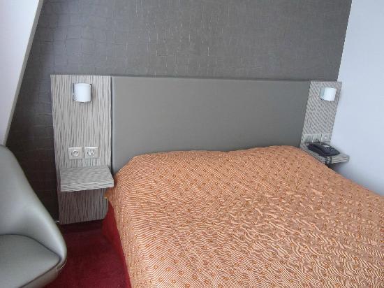 Hotel Acropole: lit deux places