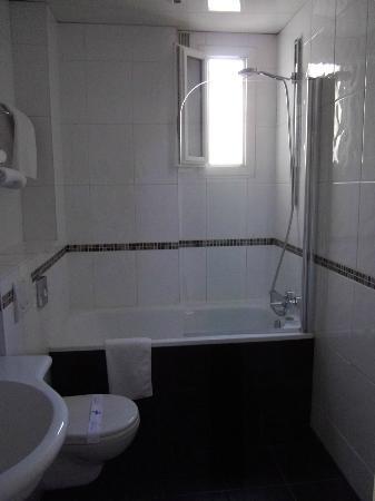 Hotel Acropole: baignoire!!!!
