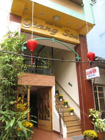Giang Son Guesthouse: Außenansicht