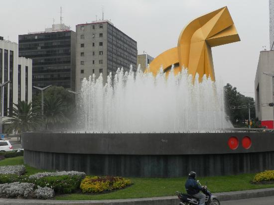 Paseo de la Reforma: El Caballo