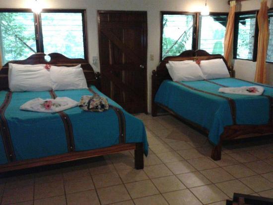 Black Rock Lodge: Inside Cabin 4