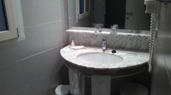 SH Ingles: Baño