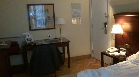 SH Ingles: Entrada habitación