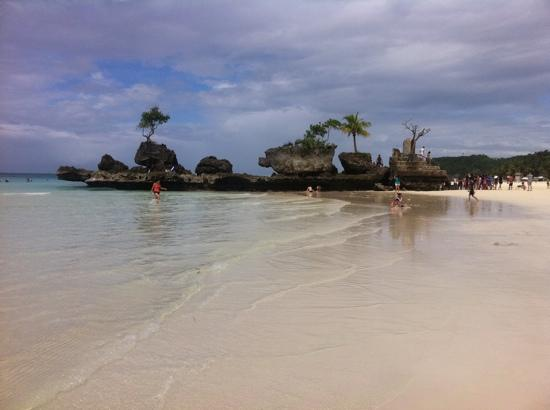 Monaco Suites de Boracay: white beach, a short shuttle ride from resort