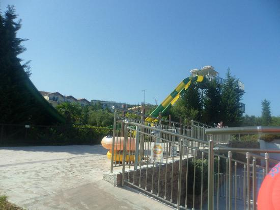 Planos Bay Hotel: one of the slides at the water park we got entry too. (tsilivi waterpark)
