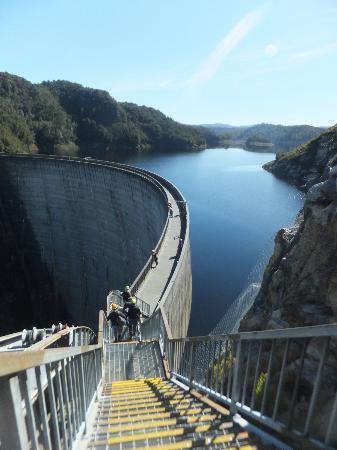 Aardvark Adventures: Gordon Dam - Stunning Scenery