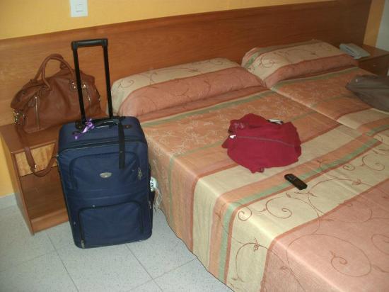 azuLine Hoteles Mar Amantis I & II : Three bed bedroom