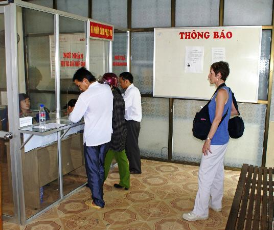 Custom Vietnam Travel Day Tours: Waiting for Ha Ziang travel permit