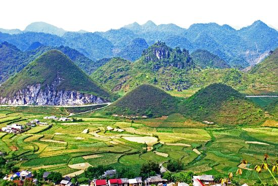 Custom Vietnam Travel Day Tours: Ha Giang Province