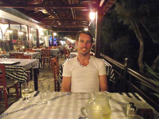 Irinis Taverna : Enjoying our meal