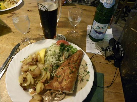 Friends of Dave Tours: Lunch with the Hius beer. Brauhaus am Lohberg in Wismar
