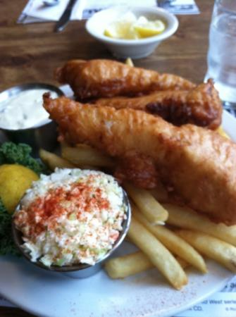 LeRoys Blue Whale: yum, fish and chips