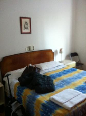Gambara Hotel: camera da letto doppia