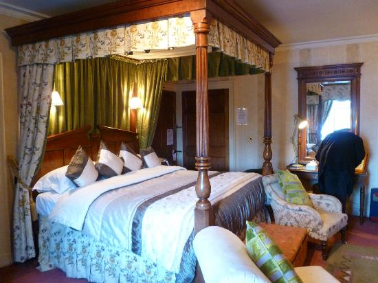 Hotels Near Soughton Hall