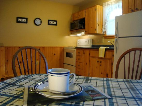 Upper Clements Cottages: Well equipped kitchen