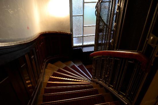 Hotel Pension Spree: Le vecchie scale di legno