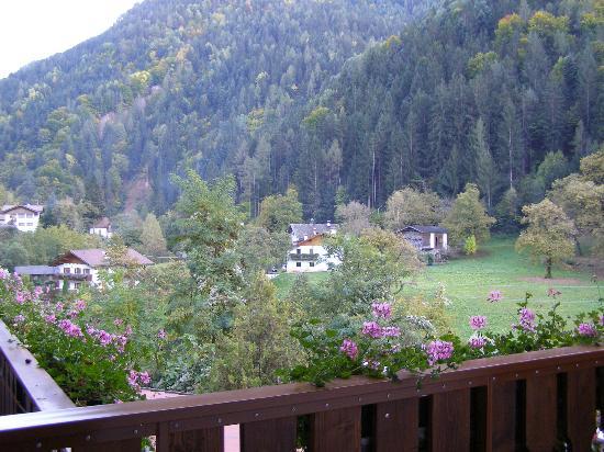 Albergo Zur Sonne: Panorama dal balcone della camera