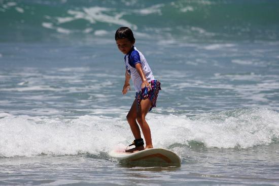 Adrenalina Kite & Surf Camp: kids surf beginner lesson playa hermosa