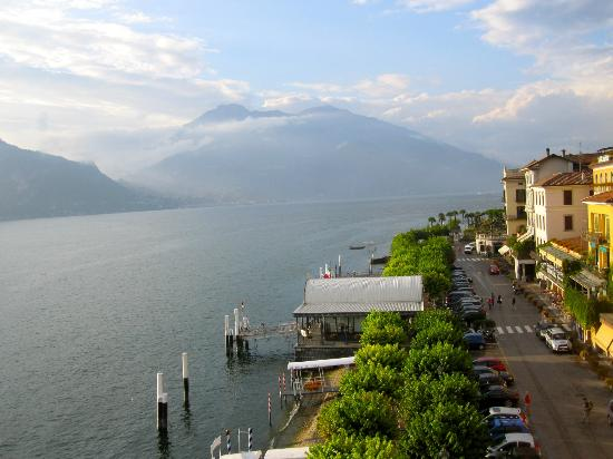 Hotel Metropole Bellagio: View from the side balcony