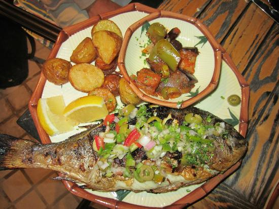 Excelsior Grand Hotel: Dinner at the sea