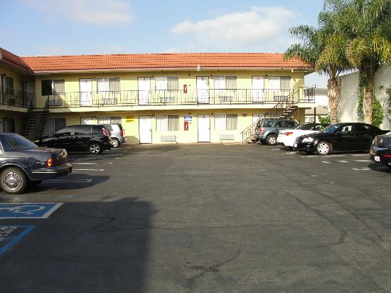 Hawthorne Plaza Inn: Motel