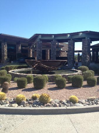 We-Ko-Pa Resort & Conference Center: Hotel Front Entrance