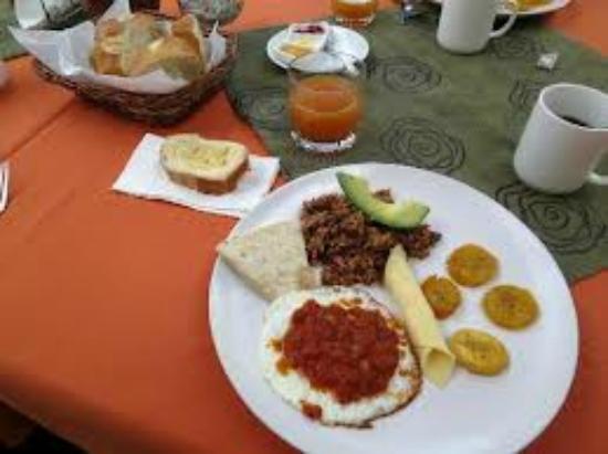 Casa Batsu: Tipical Food