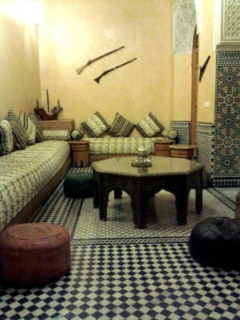 Riad Layalina Fez: Reading room